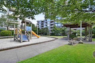 "Photo 19: 2006 5189 GASTON Street in Vancouver: Collingwood VE Condo for sale in ""MACGREGOR"" (Vancouver East)  : MLS®# R2087037"