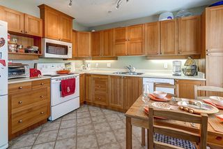 """Photo 7: 211 1432 PARKWAY Boulevard in Coquitlam: Westwood Plateau Condo for sale in """"MONTREUX"""" : MLS®# R2099628"""