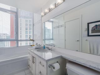 Photo 17: 3201 1189 MELVILLE Street in Vancouver: Coal Harbour Condo for sale (Vancouver West)  : MLS®# R2103601