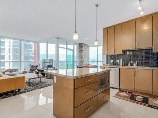 Photo 5: 3201 1189 MELVILLE Street in Vancouver: Coal Harbour Condo for sale (Vancouver West)  : MLS®# R2103601