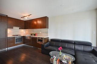 Photo 2: 706 535 SMITHE Street in Vancouver: Downtown VW Condo for sale (Vancouver West)  : MLS®# R2109457