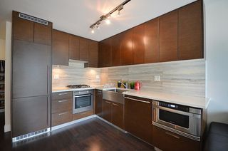 Photo 4: 706 535 SMITHE Street in Vancouver: Downtown VW Condo for sale (Vancouver West)  : MLS®# R2109457