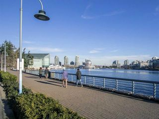 "Photo 22: 1705 33 SMITHE Street in Vancouver: Yaletown Condo for sale in ""COOPERS LOOKOUT"" (Vancouver West)  : MLS®# R2129827"