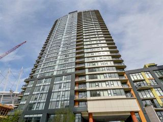"Photo 1: 1705 33 SMITHE Street in Vancouver: Yaletown Condo for sale in ""COOPERS LOOKOUT"" (Vancouver West)  : MLS®# R2129827"