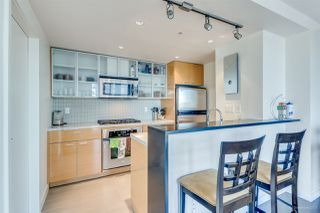 "Photo 6: 1705 33 SMITHE Street in Vancouver: Yaletown Condo for sale in ""COOPERS LOOKOUT"" (Vancouver West)  : MLS®# R2129827"