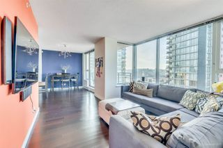 "Photo 3: 1705 33 SMITHE Street in Vancouver: Yaletown Condo for sale in ""COOPERS LOOKOUT"" (Vancouver West)  : MLS®# R2129827"