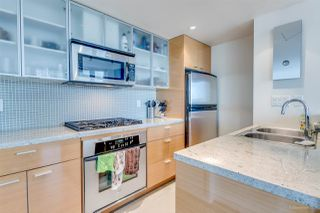 "Photo 7: 1705 33 SMITHE Street in Vancouver: Yaletown Condo for sale in ""COOPERS LOOKOUT"" (Vancouver West)  : MLS®# R2129827"