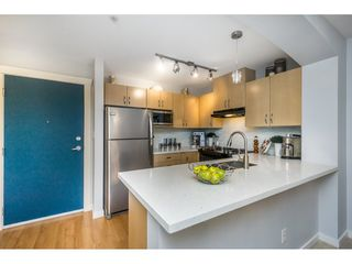 "Photo 3: 302 2988 SILVER SPRINGS Boulevard in Coquitlam: Westwood Plateau Condo for sale in ""TRILLIUM"" : MLS®# R2140342"
