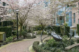 """Photo 18: 701 175 W 2ND Street in North Vancouver: Lower Lonsdale Condo for sale in """"Ventana"""" : MLS®# R2155702"""