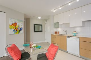 """Photo 5: 701 175 W 2ND Street in North Vancouver: Lower Lonsdale Condo for sale in """"Ventana"""" : MLS®# R2155702"""
