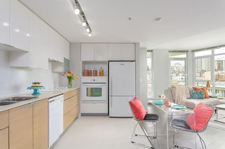 """Photo 7: 701 175 W 2ND Street in North Vancouver: Lower Lonsdale Condo for sale in """"Ventana"""" : MLS®# R2155702"""