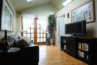 Photo 8: 2562 POPLYNN Drive in North Vancouver: Westlynn House for sale : MLS®# R2156112