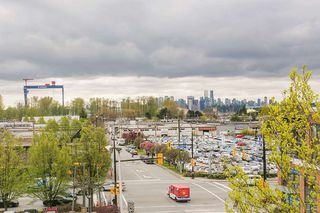 "Photo 1: 302 1085 W 17TH Street in North Vancouver: Pemberton NV Condo for sale in ""LLOYD REGENCY"" : MLS®# R2161114"
