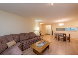 "Photo 7: 223 13880 70 Avenue in Surrey: East Newton Condo for sale in ""CHELSEA GARDENS"" : MLS®# R2167661"