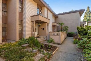 Photo 1: 52 13813 102 Avenue in Surrey: Whalley Townhouse for sale (North Surrey)  : MLS®# R2170885