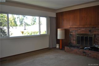 Photo 5: 1860 Ventura Way in VICTORIA: SE Lambrick Park Single Family Detached for sale (Saanich East)  : MLS®# 380299