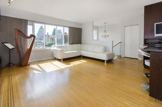 Photo 3: 6805 YEOVIL Place in Burnaby: Montecito House for sale (Burnaby North)  : MLS®# R2207708