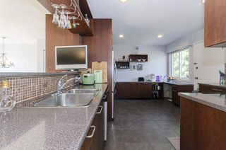 Photo 8: 6805 YEOVIL Place in Burnaby: Montecito House for sale (Burnaby North)  : MLS®# R2207708