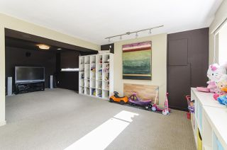 Photo 15: 6805 YEOVIL Place in Burnaby: Montecito House for sale (Burnaby North)  : MLS®# R2207708