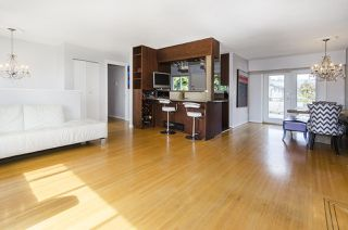 Photo 4: 6805 YEOVIL Place in Burnaby: Montecito House for sale (Burnaby North)  : MLS®# R2207708