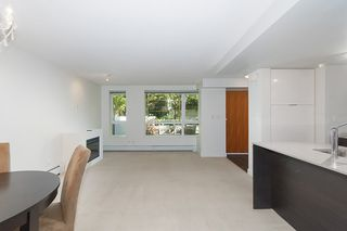 Photo 9: 167 W 2nd Street in North Vancouver: Lower Lonsdale Townhouse for sale : MLS®# R2214867