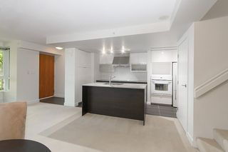 Photo 17: 167 W 2nd Street in North Vancouver: Lower Lonsdale Townhouse for sale : MLS®# R2214867