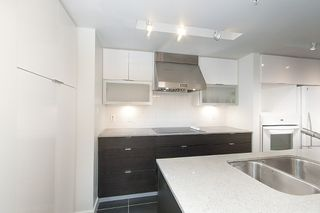 Photo 20: 167 W 2nd Street in North Vancouver: Lower Lonsdale Townhouse for sale : MLS®# R2214867