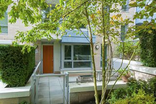 Photo 3: 167 W 2nd Street in North Vancouver: Lower Lonsdale Townhouse for sale : MLS®# R2214867