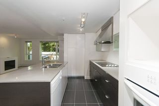 Photo 21: 167 W 2nd Street in North Vancouver: Lower Lonsdale Townhouse for sale : MLS®# R2214867