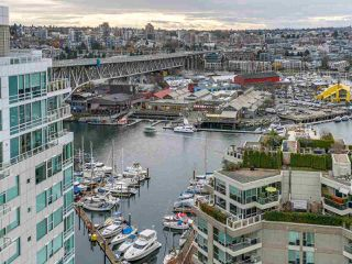 "Photo 11: 2001 1500 HORNBY Street in Vancouver: Yaletown Condo for sale in ""888 Beach"" (Vancouver West)  : MLS®# R2225315"
