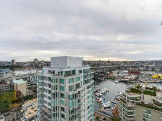 "Photo 10: 2001 1500 HORNBY Street in Vancouver: Yaletown Condo for sale in ""888 Beach"" (Vancouver West)  : MLS®# R2225315"