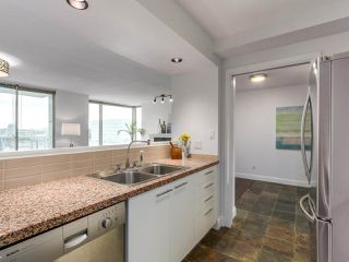 "Photo 5: 2001 1500 HORNBY Street in Vancouver: Yaletown Condo for sale in ""888 Beach"" (Vancouver West)  : MLS®# R2225315"