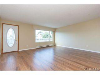 Photo 1: 304 642 ADMIRALS Road in VICTORIA: Es Esquimalt Residential for sale (Esquimalt)  : MLS®# 368306
