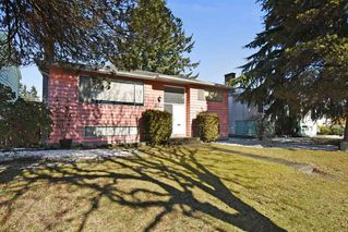 Photo 2: 2627 E 56TH Avenue in Vancouver: Fraserview VE House for sale (Vancouver East)  : MLS®# R2243250