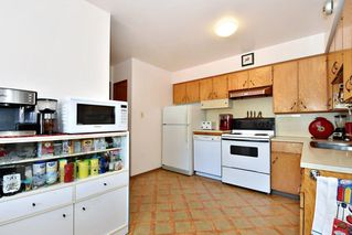 Photo 8: 2627 E 56TH Avenue in Vancouver: Fraserview VE House for sale (Vancouver East)  : MLS®# R2243250