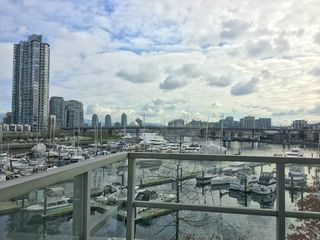 Photo 8: 315 1228 MARINASIDE Crescent in Vancouver: Yaletown Condo for sale (Vancouver West)  : MLS®# R2245353