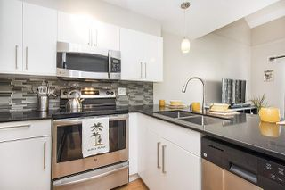 "Photo 3: 304 620 BLACKFORD Street in New Westminster: Uptown NW Condo for sale in ""DEERWOOD COURT"" : MLS®# R2246699"