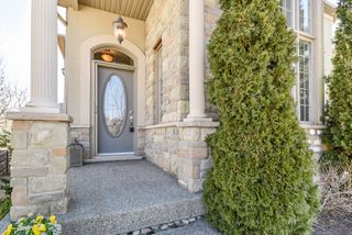 Photo 3: 72 Commando Court in Hamilton: Waterdown House (2-Storey) for sale : MLS®# X4078170