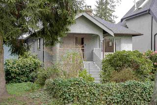 Photo 2: 3829 W 18TH Avenue in Vancouver: Dunbar House for sale (Vancouver West)  : MLS®# R2258075