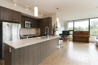 "Photo 7: 707 301 CAPILANO Road in Port Moody: Port Moody Centre Condo for sale in ""The Residence by Onni"" : MLS®# R2285041"