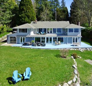"Main Photo: 4931 SUNSHINE COAST Highway in Sechelt: Sechelt District House for sale in ""SELMA PARK/DAVIS BAY"" (Sunshine Coast)  : MLS®# R2292669"