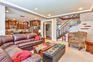 """Photo 7: 6341 167A Street in Surrey: Cloverdale BC House for sale in """"CLOVER RIDGE"""" (Cloverdale)  : MLS®# R2306022"""