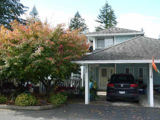 """Photo 2: 3 3292 VERNON Terrace in Abbotsford: Abbotsford East Townhouse for sale in """"Crown Point Villas"""" : MLS®# R2320790"""