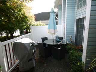 """Photo 3: 3 3292 VERNON Terrace in Abbotsford: Abbotsford East Townhouse for sale in """"Crown Point Villas"""" : MLS®# R2320790"""