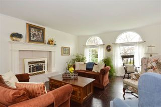 "Photo 2: 12313 22 Avenue in Surrey: Crescent Bch Ocean Pk. House for sale in ""Ocean Park"" (South Surrey White Rock)  : MLS®# R2322310"