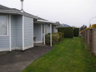 """Photo 13: 126 7610 EVANS Road in Chilliwack: Sardis West Vedder Rd House 1/2 Duplex for sale in """"COTTONWOOD REITREMENT VILLAGE"""" (Sardis)  : MLS®# R2330361"""
