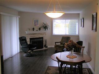 """Photo 3: 126 7610 EVANS Road in Chilliwack: Sardis West Vedder Rd House 1/2 Duplex for sale in """"COTTONWOOD REITREMENT VILLAGE"""" (Sardis)  : MLS®# R2330361"""