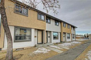 Photo 40: 104 2720 RUNDLESON Road NE in Calgary: Rundle Row/Townhouse for sale : MLS®# C4221687
