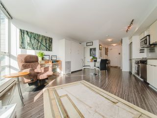 """Photo 13: 1708 233 ROBSON Street in Vancouver: Downtown VW Condo for sale in """"TV Towers"""" (Vancouver West)  : MLS®# R2336032"""
