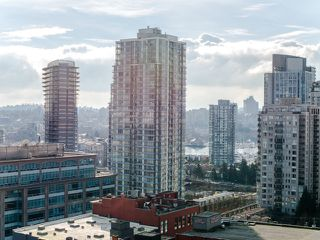 """Photo 14: 1708 233 ROBSON Street in Vancouver: Downtown VW Condo for sale in """"TV Towers"""" (Vancouver West)  : MLS®# R2336032"""